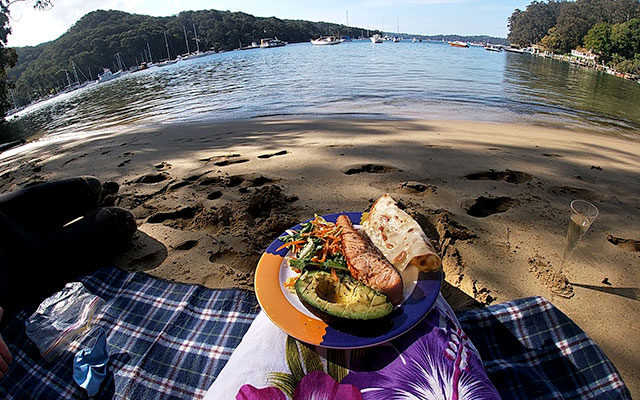 skt-romantic-custom-paddle-with-a-gourmet-food-02